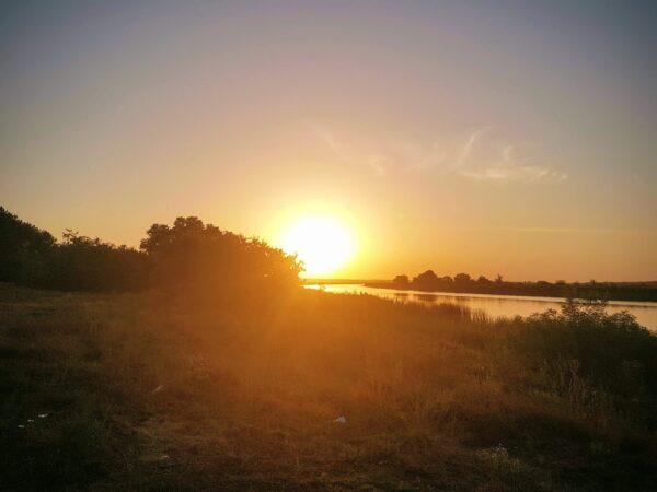 Закат на берегу Южного Буга в Андреевке (Николаевская область)